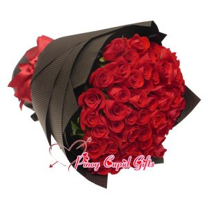 50 red roses bouquet 06