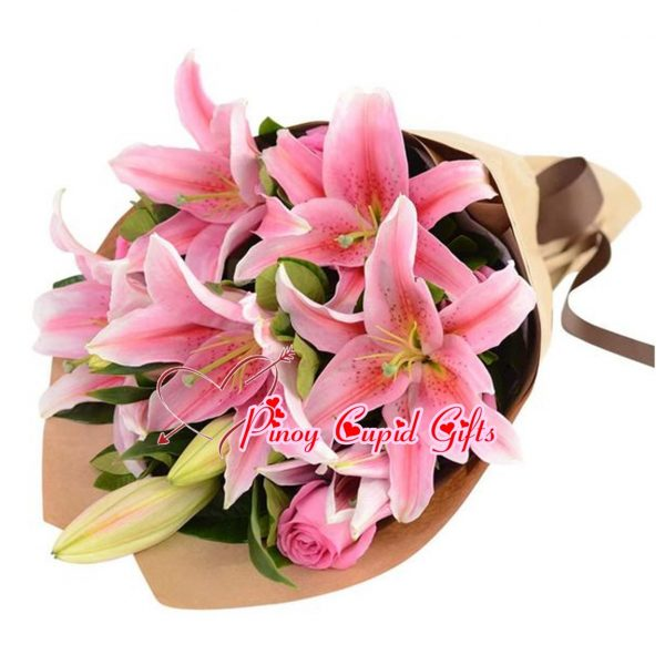 8 Pink Stargazer Lilies (2-3 stems) and Pink Roses