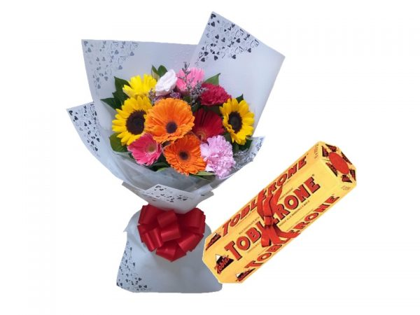 Mixed Flower Bouquet, 6x100g Toblerone Gift Pack