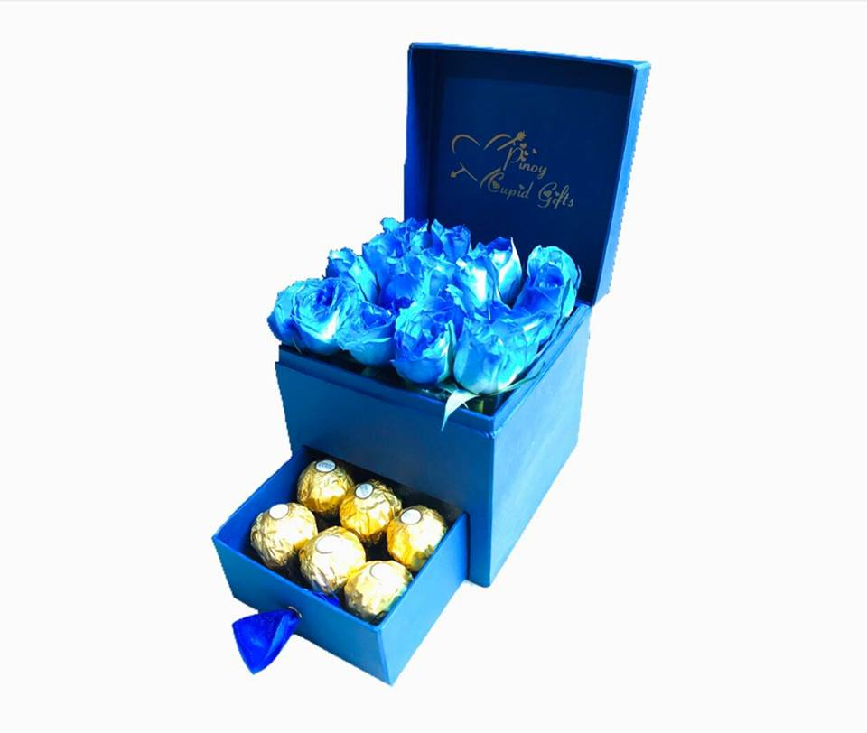 Blue Roses & Ferrero in a Gift Box